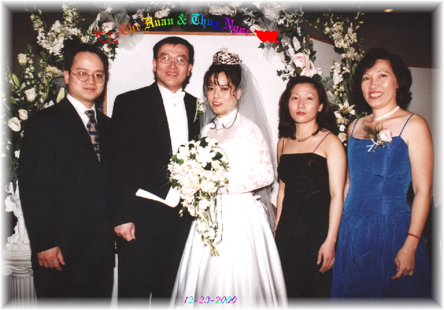 {On the left is co^ Xuan and on the right is the Groom's Mom}